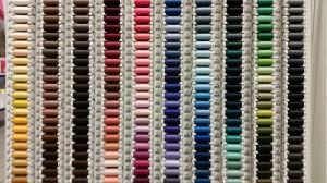 Op zoek naar de juiste kleur garen? Fournituren te kust en te keur.